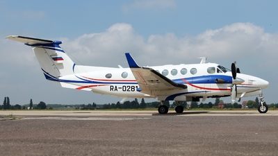 A picture of RA02814 - Beech 300 Super King Air 350 -  - © Frank LCBS