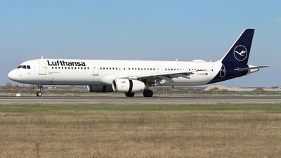 A picture of DAISQ - Airbus A321231 - Lufthansa - © Calin Horia Lupu