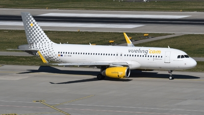 EC-MKM - Airbus A320-232 - Vueling