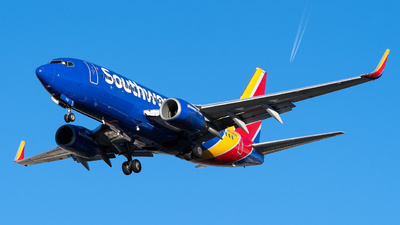A picture of N752SW - Boeing 7377H4 - Southwest Airlines - © Garey T. Martin