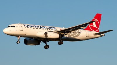A picture of TCJPT - Airbus A320232 - Turkish Airlines - © Kuzey Alan