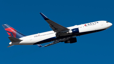 A picture of N195DN - Boeing 767332(ER) - Delta Air Lines - © Michael Place