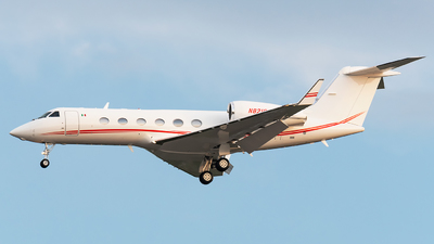 N821GR - Gulfstream G400 - Private