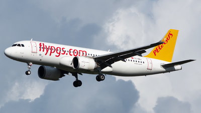 A picture of TCNBJ - Airbus A320251N - Pegasus Airlines - © Martin O.
