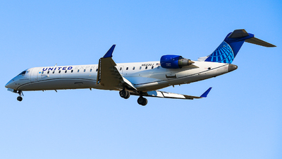 A picture of N523GJ - Mitsubishi CRJ550 - United Airlines - © Leige Yang