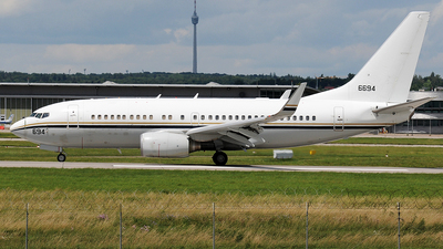166694 - Boeing C-40A Clipper - United States - US Navy (USN)