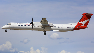A picture of VHLQD - De Havilland Canada Dash 8400 - QantasLink - © Victor Pody