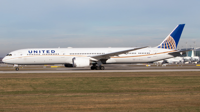A picture of N91007 - Boeing 78710 Dreamliner - United Airlines - © Tim Donell
