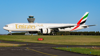 A6-EGG - Boeing 777-312 - Emirates