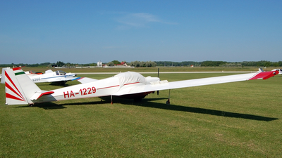 HA-1229 - Scheibe SF.25C Falke - Private