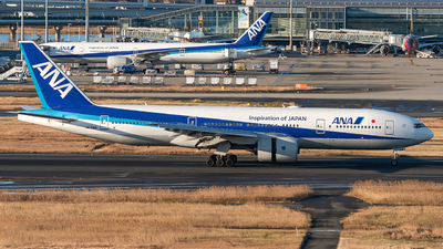 JA714J - Boeing 777-281 - All Nippon Airways (ANA)