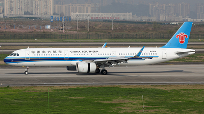A picture of B303L - Airbus A321253N - China Southern Airlines - © YIJING HOU