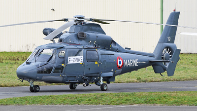 19 - Eurocopter AS 365N2 Dauphin - France - Navy