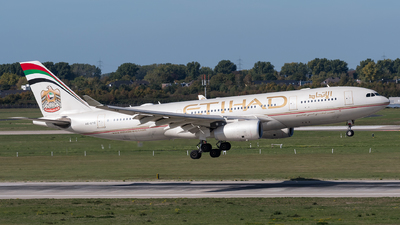 A6-EYG - Airbus A330-243 - Etihad Airways