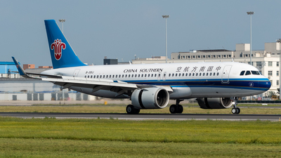 A picture of B301J - Airbus A320251N - China Southern Airlines - © Gao Yupeng