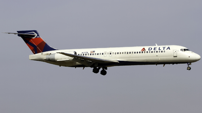 A picture of N717JL - Boeing 7172BD - Delta Air Lines - © Andrew Seong