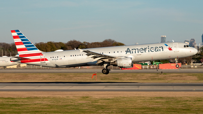 A picture of N176UW - Airbus A321211 - American Airlines - © Yan777