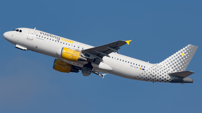A picture of ECLLM - Airbus A320214 - Vueling - © Marcello Galzignato - Tuscan Aviation