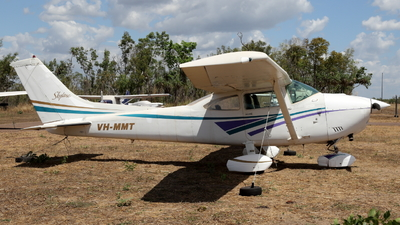 VH-MMT - Cessna 182Q Skylane - Private