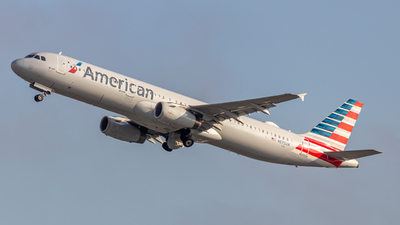 A picture of N575UW - Airbus A321231 - American Airlines - © Issac