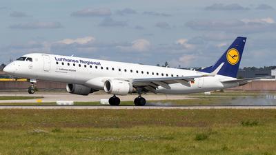 A picture of DAECG - Embraer E190LR - Lufthansa - © Niklas Engel