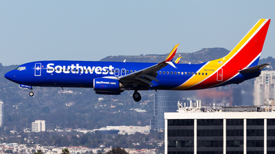 A picture of N8317M - Boeing 7378H4 - Southwest Airlines - © Brandon Giacomin