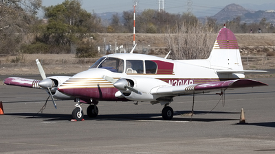 N3014R - Piper PA-23-150 Apache B - Private
