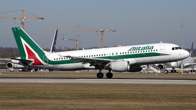 EI-DTL - Airbus A320-216 - Alitalia