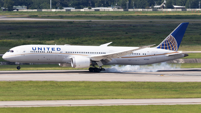 A picture of N27958 - Boeing 7879 Dreamliner - United Airlines - © Shattuck Bell