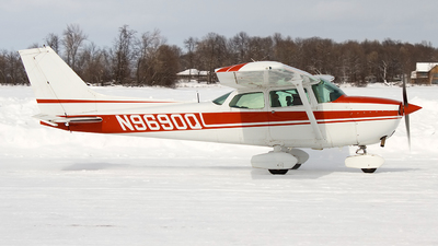 N9690Q - Cessna 172M Skyhawk - Private