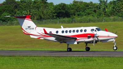 RP-C6198 - Beechcraft B300 King Air 350i - Private