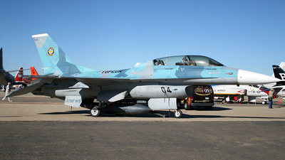 920458 - General Dynamics F-16B Fighting Falcon - United States - US Navy (USN)