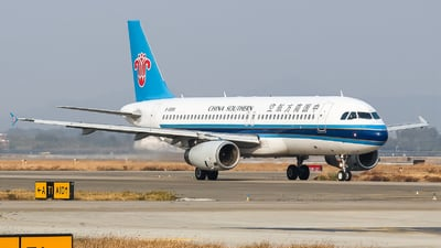 A picture of B6896 - Airbus A320232 - China Southern Airlines - © Chingwang Lee