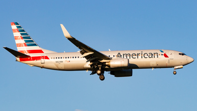 A picture of N823NN - Boeing 737823 - American Airlines - © Devon McCune