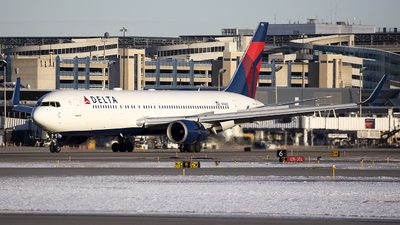 A picture of N174DZ - Boeing 767332(ER) - Delta Air Lines - © Jeremy D. Dando