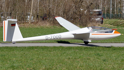 A picture of D7000 - LS6 18 - [] - © Hugo Schwarzer