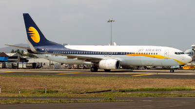VT-JBQ - Boeing 737-85R - Jet Airways