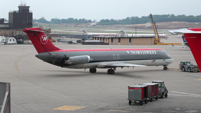 N776NC - McDonnell Douglas DC-9-51 - Northwest Airlines