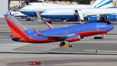 N902WN - Boeing 737-7H4 - Southwest Airlines