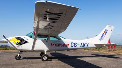 CS-AKX - Cessna 182M Skylane - Skydive Maia
