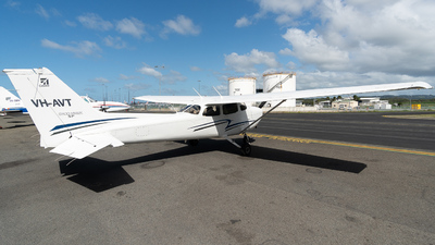 VH-AVT - Cessna 172S Skyhawk SP - Air Gold Coast