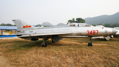 3487 - Chengdu J-7 - China - Air Force
