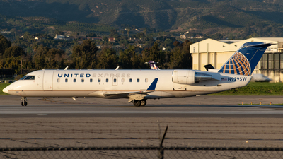 A picture of N929SW - Mitsubishi CRJ200LR - United Airlines - © Beck Ramsey