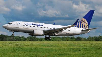 N21723 - Boeing 737-724 - Continental Airlines