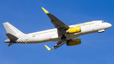 EC-MEQ - Airbus A320-232 - Vueling
