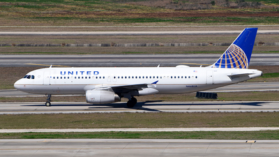A picture of N468UA - Airbus A320232 - United Airlines - © Rocky Wang
