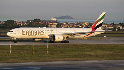 A6-EBZ - Boeing 777-31HER - Emirates