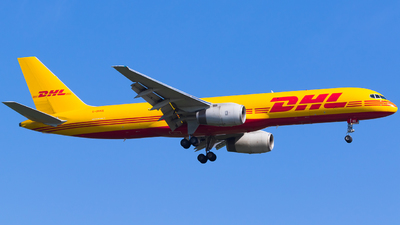 A picture of GDHKE - Boeing 75723N(PCF) - DHL - © Martin Rogosz