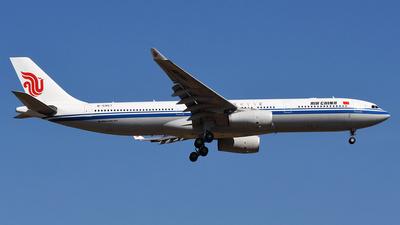 B-5957 - Airbus A330-343 - Air China