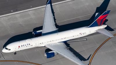 N692DL - Boeing 757-232 - Delta Air Lines